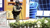 Penemuan dua paket bom palsu itu sempat menimbulkan ketakutan tetapi aparat segera mengklarifikasi bahwa tidak ada ancaman keamanan. (Photo by Lillian SUWANRUMPHA / AFP)