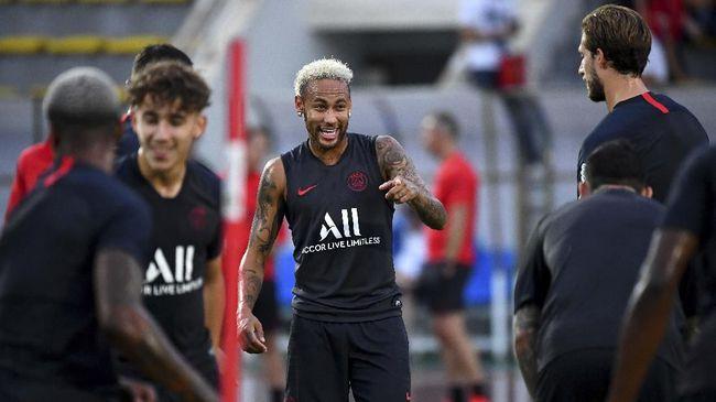 Suporter Ejek Neymar, PSG Didenda Rp31,5 Juta