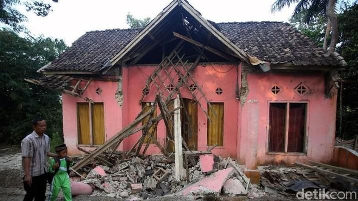 Penampakan Kerusakan Rumah Warga Akibat Gempa Banten