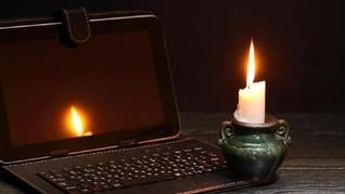5 Persiapan Hadapi Mati Lampu saat Hujan dan Banjir