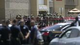Seorang terduga penembak di El Paso, Texas ditahan polisi. Dikutip dari CNN, identitas penembak dikenali sebagai Patrick Crusius dari Allen yang berusia 21 tahun. (Mark Lambie/The El Paso Times via AP)