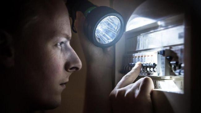 Alat Elektronik yang Harus Dicabut Saat Listrik Padam