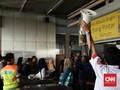 FOTO : Listrik di Jakarta Padam, KRL dan MRT Lumpuh