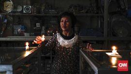 FOTO : Hidup Tanpa Aliran Listrik di Jakarta