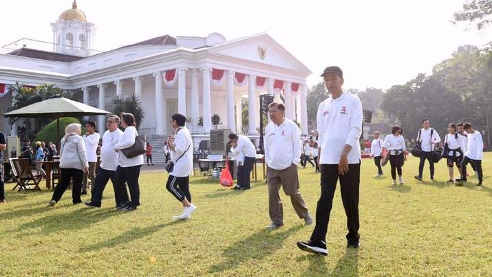 Jokowi menggelar acara Gathering Keluarga Kabinet Kerja dengan tema