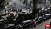 Sekitar 1000 mitra pengemudi Gojek menyampaikan dua tuntutan dalam aksi demontrasi kali ini. (CNN Indonesia/Andry Novelino)