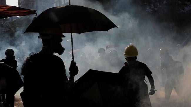 Situasi politik di Hong Kong memang sedang bergolak menyusul serangkaian demonstrasi besar-besaran dalam dua bulan belakangan yang kerap berujung ricuh. (REUTERS/Tyrone Siu)