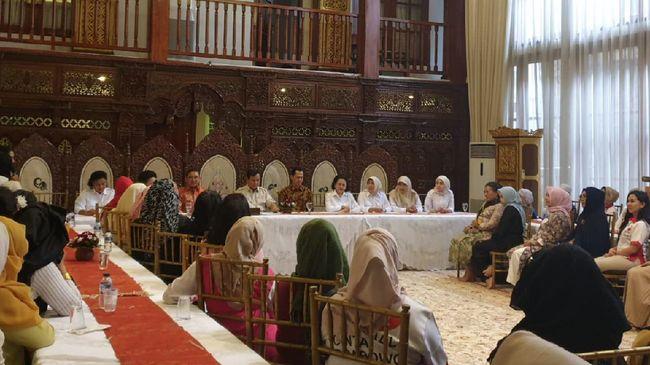 Prabowo Bertemu Emak-emak Jelaskan Sikap Politik Usai Pilpres
