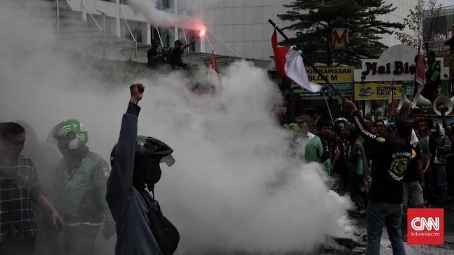 Dalam tuntutan Aksi 508, Grada mengaku telah mengirimkan surat terbuka kepada CEO Gojek, Nadiem Makarim pada 3 Agustus 2019.(CNN Indonesia/Andry Novelino)