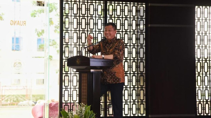 Menteri Jonan menjawab soal mengapa BBM 1 harga masih diperlukan di tengah rencana pengembangan energi baru