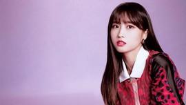 Momo dan Dahyun 'TWICE' Hentikan Siaran karena Dikuntit