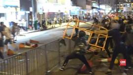 VIDEO: Hong Kong Makin Kacau, Pedemo dan Preman Bentrok