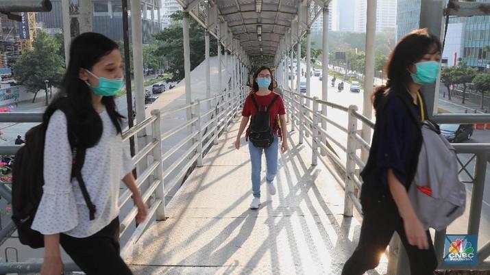 Tingkat polusi udara di Jakarta masuk dalam kategori tidak sehat atau berada di level 166 pada Minggu (1/9/2019),
