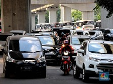 Penjualan Kendaraan Drop, Saham Produsen Mobil Terkoreksi
