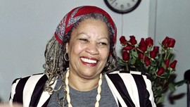 Peraih Nobel Toni Morrison Meninggal Dunia