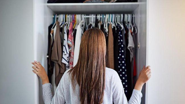 Cara Merapikan Lemari Pakaian ala Marie Kondo