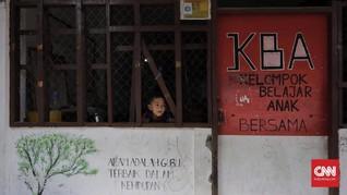 Berteman Widji Thukul dan Pramoedya di Sekolah Kampung Kumuh
