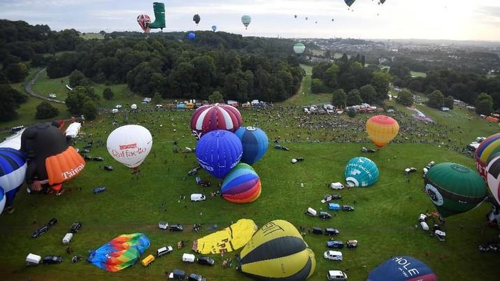 Tahun ini festival balon udara panas ini diselenggarakan pada tanggal 9-12 Agustus dan diikuti diikuti oleh ratusan peserta.