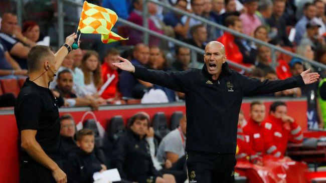 Fan Desak Madrid Pecat Zidane Ganti dengan Mourinho