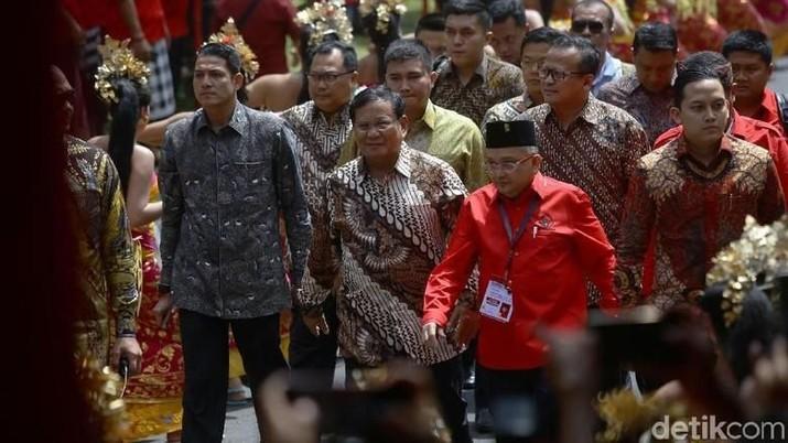 Prabowo menitipkan empat catatan kepada anggota DPR Fraksi Gerindra terkait pemindahan ibu kota tersebut.