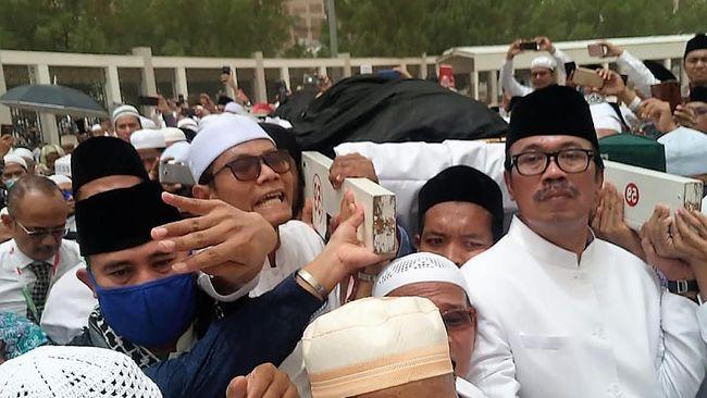 Dubes: Rizieq Shihab Salah Makam, Bukan di Liang Mbah Moen
