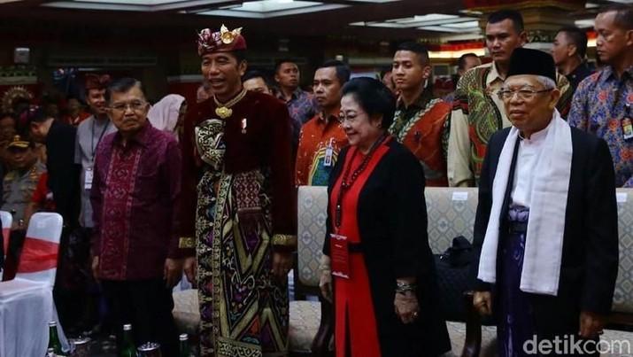 Presiden Joko Widodo (Jokowi) telah mengungkapkan sejumlah kriteria menteri/pejabat setingkat menteri dalam kabinet Jokowi-Ma'ruf Amin periode 2019-2024.