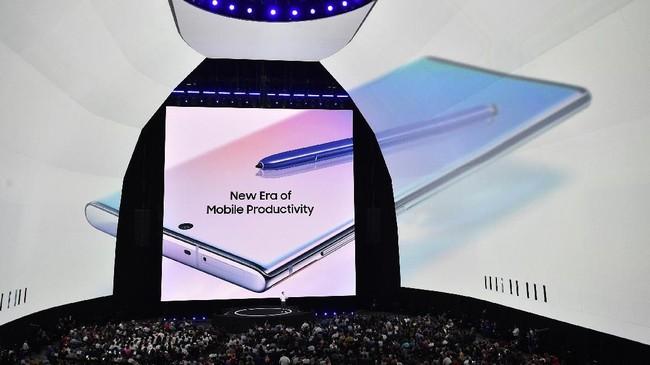 Perusahaan asal Korea Selatan ini memastikan dua ponsel terbarunya mulai dipasarkan pada 23 Agustus mendatang. (Bryan Bedder/Getty Images for Samsung/AFP)