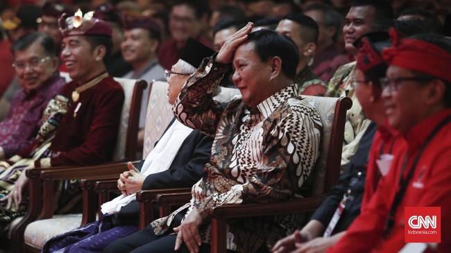 Prabowo Subianto mendapatkan beberapa sentilandi pidato Megawati. Salah satunya karena Prabowo Subianto memindahkan posko kemenangan ke Jawa Tengah, yang notabene dikenal sebagai kandang PDIP. (CNN Indonesia/Safir Makki)