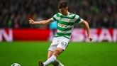 Arsenal sukses membeli bek sayap Kieran Tierney dari Celtic FC dengan transfer 24 juta poundsterling. (Andy BUCHANAN / AFP)