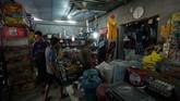 Kebutuhan sehari-hari pun, seperti makanan, bisa didapatkan lebih mudah di kamp pengungsian Mosul. (REUTERS/Abdullah Rashid)