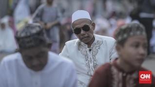 Salat Id, Jemaah Masjid di Bekasi Disemprot Hand Sanitizer