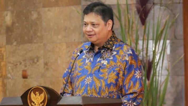 Menteri Perindustrian Airlangga Hartarto melempar wacana pencabutan DMO, lantas mau diekspor ke mana dengan pasar kelebihan pasokan saat ini?