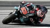 Pebalap Petronas Yamaha Fabio Quartararo akan start dari posisi kedua setelah terpaut 0,434 detik dari catatan waktu Marc Marquez. (VLADIMIR SIMICEK / AFP)