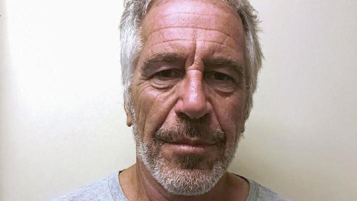 Pengadilan melaporkan, Epstein, 66, gantung diri di Metropolitan Correctional Center Manhattan, tempat ia ditahan tanpa jaminan.