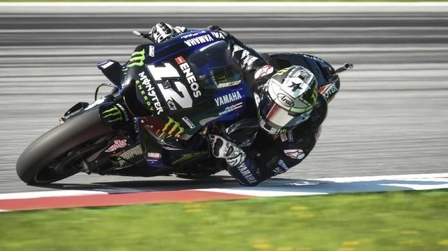 Maverick Vinales menjadi pebalap Yamaha tercepat di babak kualifikasi MotoGP Austria 2019 dengan berada di posisi keempat. (VLADIMIR SIMICEK / AFP)