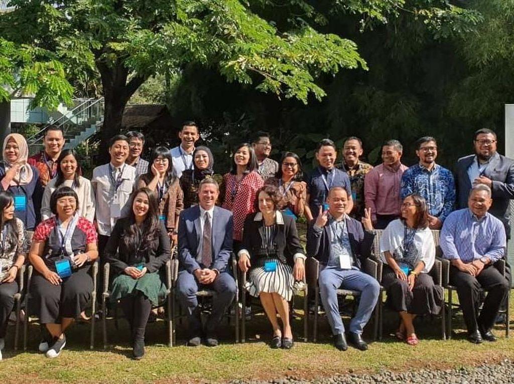 Mereka ialah perwakilan dari instansi pemerintahan, organisasi kemasyarakatan dan pendidikan dari seluruh Indonesia di antaranya : Devie Rahmawati (Klinik Digital Vokasi UI); Anita Wahid, Giri Lukman (Mafindo); Frederik Sarira (C-Save); Purnomo Satriyo (Bawaslu); Nadia Atmaji, Rory Asyari, Agnes Theodora (jurnalis); Rizki Ameliah (Kominfo) dll, yang berhasil menggungguli 300 lebih kandidat. Pool/Vokasi UI.