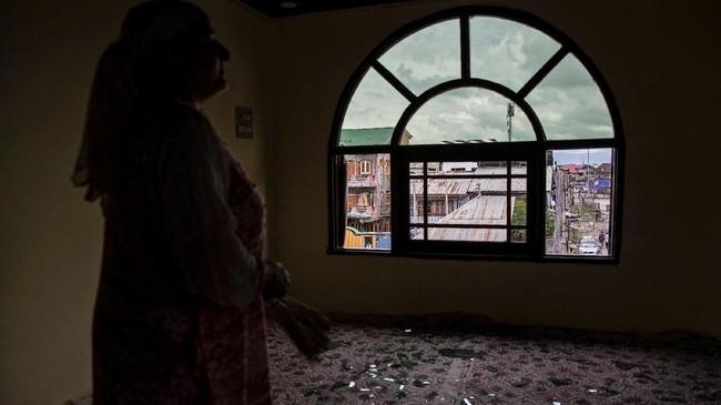Pemerintah Pakistan menyatakan bakal memangkas tingkat hubungan diplomatik dengan India, terkait konflik di Kashmir yang berlanjut. Mereka menyatakan bakal mengusir Komisioner Tinggi India sebagai bentuk kekecewaan. (REUTERS/Danish Siddiqui)