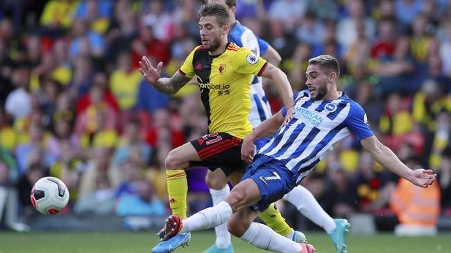 Neal Maupay (22 tahun) turut menempatkan namanya di papan skor saat Brighton & Hove Albion di luar dugaan menang telak 3-0 di markas Watford. Maupay mencetak satu gol meski berstatus pemain pengganti. (Reuters/Andrew Couldridge)