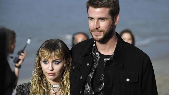 Liam Hemsworth Sadar 'Diputus' Miley Lewat Instagram