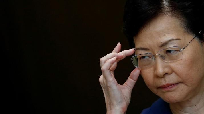 Pemerintah Hong Kong akan melarang semua pengunjung asing masuk ke kota tersebut.