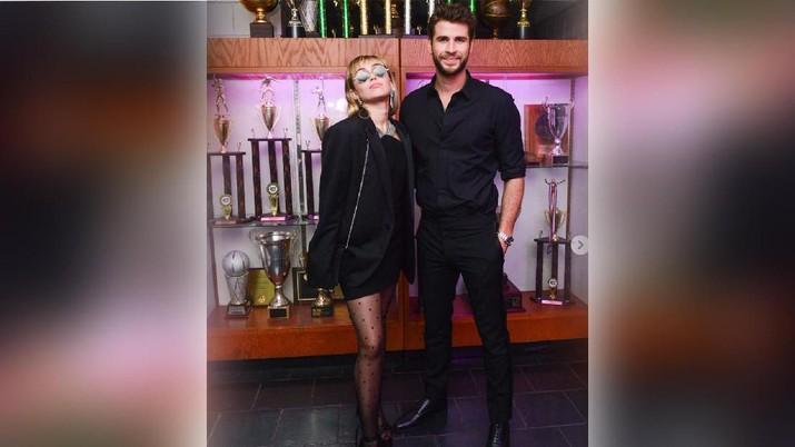 Sebelum Cerai, Ini 10 Tahun Kisah Asmara Liam & Miley Cyrus