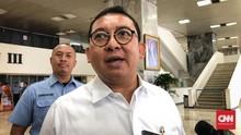 Fadli Zon Pakai Pin Emas 'KW' Anggota DPR Rp200 Ribu