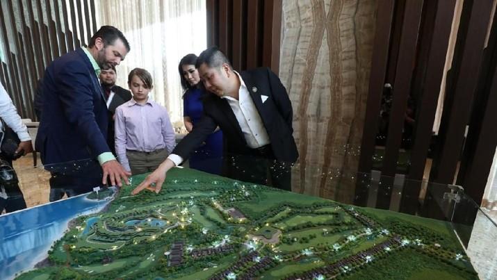 Kedatangan Trump Jr dalam rangka pra peluncuran kerja sama The Trump Organization dan MNC Land di dua proyek yang berada di Lido, Jawa Barat, dan Bali.