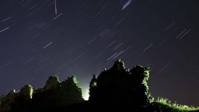 Umumnya fenomena tahunan ini memiliki intensitas tinggi, antara 50-100 meteor per jam.(Photo by Sergei GAPON / AFP)