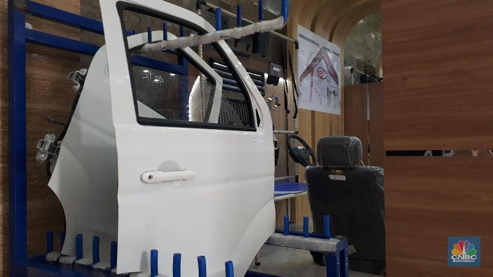 Mobil Esemka yang diproduksi PT Solo Manufaktur Kreasi (SMK), Boyolali, Jawa Tengah, ini mengisi pameran The Automotive Component Industri Expo 2019