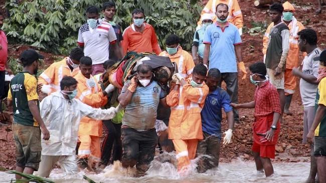 Tahun lalu, wilayah Kerala juga dilanda banjir terparah dalam hampir satu abad. Bencana itu menelan korban jiwa sekitar 450 orang. (REUTERS/Stringer)