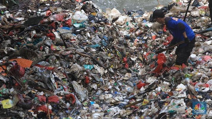 Indonesia sampai saat ini ternyata masih melakukan impor limbah atau sampah dari berbagai negara di dunia.