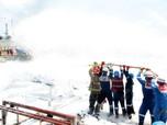 Intip Upaya Pertamina Padamkan Kebakaran di Kilang Balikpapan