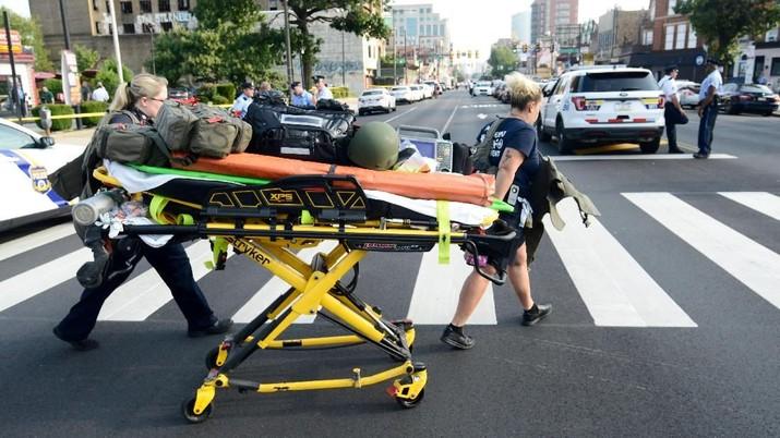 Penembakan Philadephia, Enam Polisi Terluka