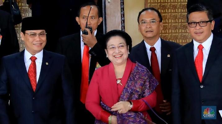 Ada Apa Antara Megawati dengan Surya Paloh?